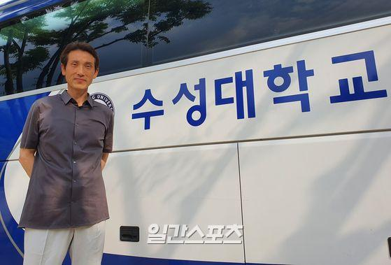 최근 수성대학교에서 일간스포츠와 인터뷰한 성준 전 삼성 2군 감독. 지난 시즌이 끝난 뒤 삼성에서 재계약 불가 통보를 받았고 올해 창단된 수성대학교 투수코치로 제2의 야구 인생을 보내고 있다. 대구=배중현 기자