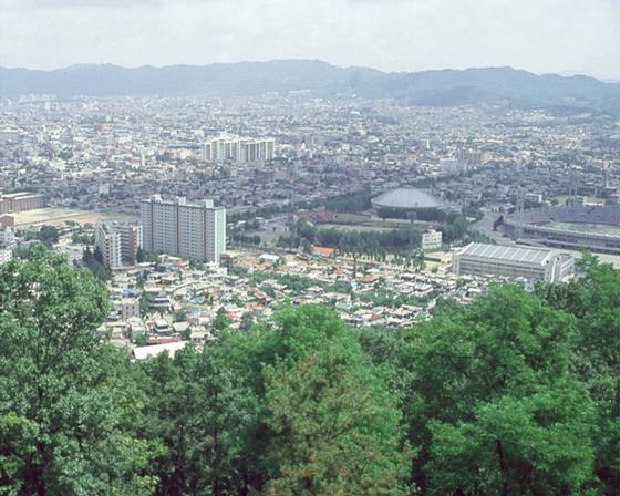 대전 보문산에서 본 대전시내 전경. [중앙포토]
