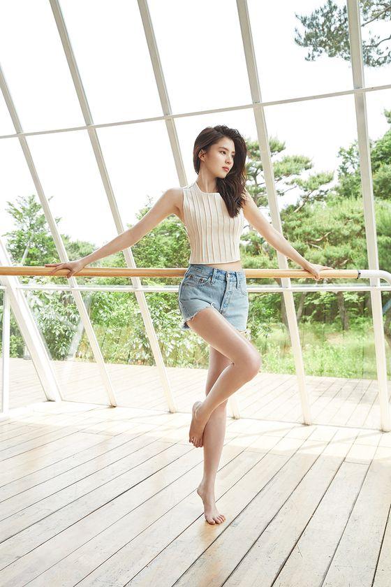 ´대세´ 한소희, 스위스 뷰티 브랜드 첫 한국모델 발탁 - 일간스포츠