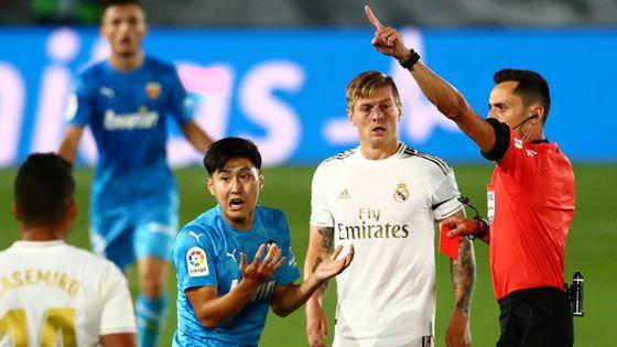 발렌시아 이강인이 지난 19일 레알 마드리드전에서 퇴장당했다. 로이터=연합뉴스
