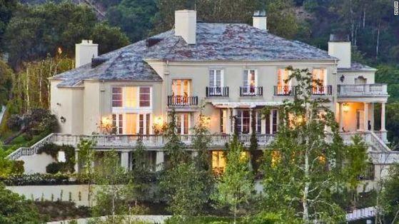 일론 머스크가 처분한 미국 캘리포니아주 벨에어에 있는 저택. 부동산웹사이트 질로우 캡처