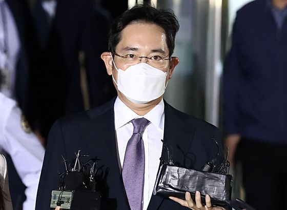 불법 경영승계 의혹 등을 받는 이재용 삼성전자 부회장. 뉴시스
