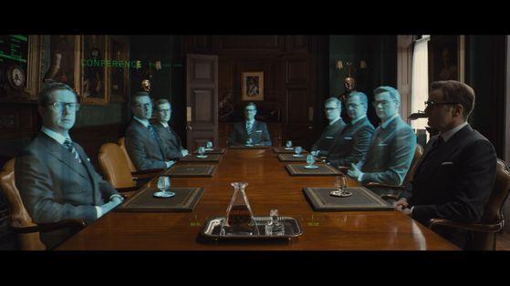 영화 '킹스맨;의 한 장면. 증강현실(AR) 안경을 끼자 세계 각국에 흩어져 있는 비밀요원의 홀로그램이 보인다.
