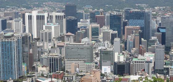 산업연구원은 올해 성장률이 0.1%를 기록할 것으로 전망했다. 서울 남산에서 바라본 기업 빌딩 모습.  연합