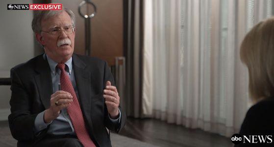 미국 ABC뉴스와 21일(현지시간) 인터뷰를 진행하고 있는 존 볼턴 전 백악관 국가안보보좌관. ABC뉴스 홈페이지 캡처