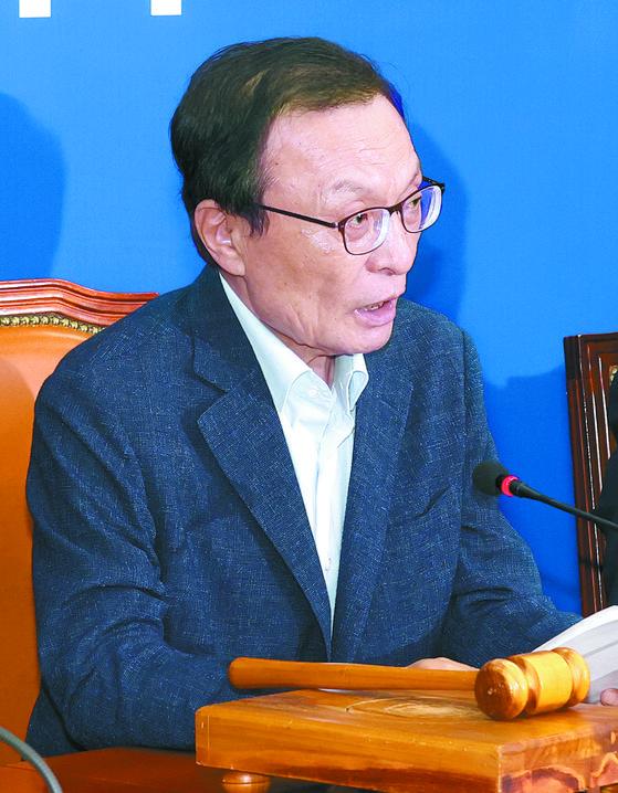 이해찬 더불어민주당 대표가 22일 국회에서 열린 최고위원회의에서 발언하고 있다. 임현동 기자