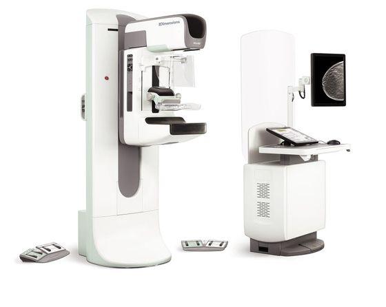 조직이 치밀한 여성을 위한 유방암 조기 진단 장비인 3D 유방 촬영기 '3디멘전스'.