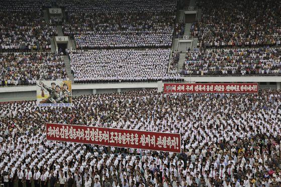 수위조절 나선 북미…北 6·25 반미집회 생략, 美 공은 북한에