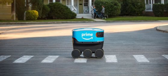 아마존 배송 로봇 '스카우트.' 아마존은 미국 워싱턴 D.C 등에서 배송 로봇을 시험운행 중이다. 사진 아마존