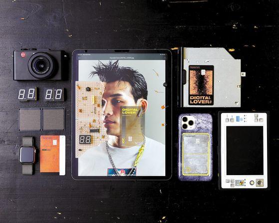 현대카드 DIGITAL LOVER 플레이트에는 새롭게 개발된 금속 시트와 투명 소재가 적용되는 등 카드 제작 기술력이 집약됐다. 특히 완전히 달라진 디자인 패러다임을 적용해 현대카드 디자인의 새로운 출발로 평가받고 있다. [사진 현대카드]