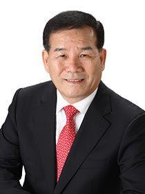 제8대 부산시의회 후반기 의장에 선출된 신상해 의원.