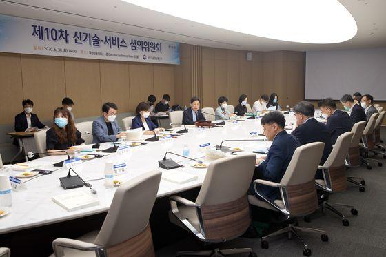 과기정통부는 30일 제10차 ICT 규제 샌드박스 심의위를 열었다. [과기정통부]