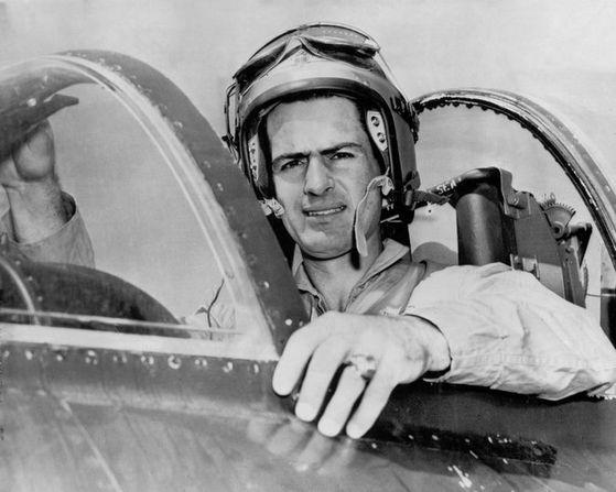 제리 콜먼이 한국전쟁에 해병대 조종사로 참전했던 당시 조종석에서 찍은 사진 [미 해병대]