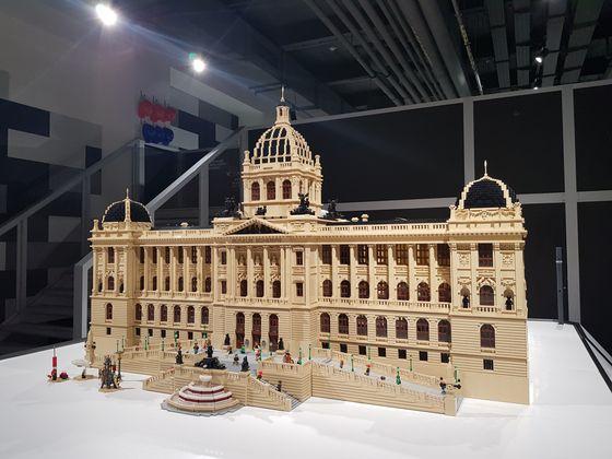 국립박물관 (National Museum). 사용된 브릭 수 12만 개, 제작 기간 500시간. [사진 브릭캠퍼스]