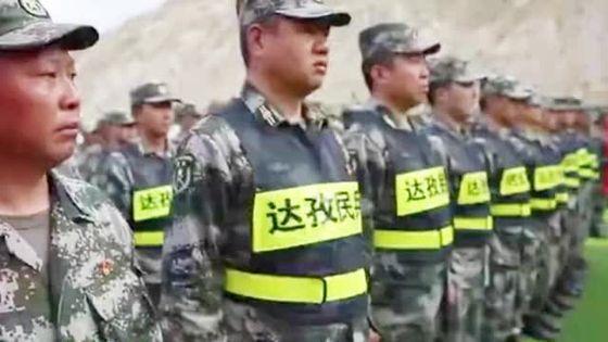 중국 시장군구는 인도와의 국경 충돌에 대비해 지난달 15일 5개의 새로운 민병부대를 건설했다. 이중 쉐아오 고원반격부대는 격투기 선수들로 구성돼 육박전에 특화된 부대다. [중국 바이두 캡처]