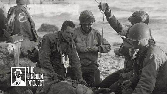 링컨 프로젝트의 정치광고 '부채'는 2차 대전에 참전해 희생한 '위대한 세대'가 코로나19 팬데믹 시대에 트럼프 대통령의 조기 경제재개 때문에 희생되고 있다고 비판했다. [링컨프로젝트]