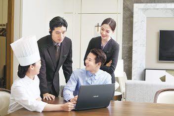 롯데호텔은 전 부문에 걸친 업무 프로세스 혁신으로 글로벌 역량을 강화하고, 차별화된 호텔 서비스를 통해 고객만족도 제고에 힘쓰고 있다. [사진 롯데호텔]