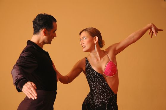 취미가 같은 사람을 만나면 우선 반갑다. 댄스라는 취미는 더욱 그렇다. [사진 pxhere]