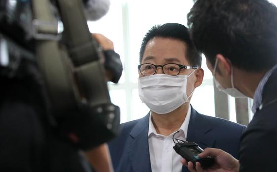 질문에 답하는 박지원 국정원장 내정자 [연합뉴스]