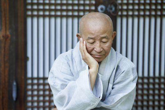 """도법 스님은 """"깨달음을 실천하는 것이야말로 불교 수행이다""""고 말했다. [사진 불광출판사]"""