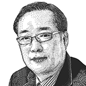 최훈 편집인 겸 논설주간