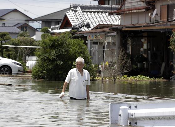"""온난화의 복수?…""""하늘이 뻥 뚫렸다"""" 일본ㆍ중국에 쏟아진 역대급 폭우"""