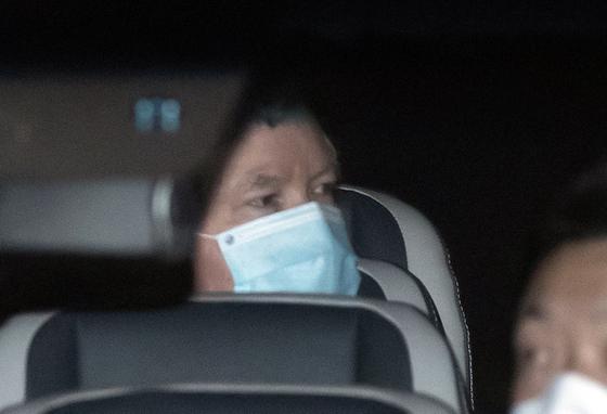 스티븐 비건 미국 국무부 부장관 겸 대북정책특별대표가 7일 오후 서울시내 한 호텔로 차량을 타고 들어서고 있다. 뉴스1