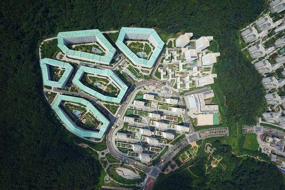이명박 정부 때 강남지역 그린벨트를 풀어 개발한 강남보금자리지구.[중앙포토]