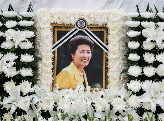8일 오후 서울 서대문구 신촌세브란스병원 장례식장에 박근혜 전 대통령의 이복언니인 박재옥 씨의 빈소가 마련돼 있다. 뉴스1