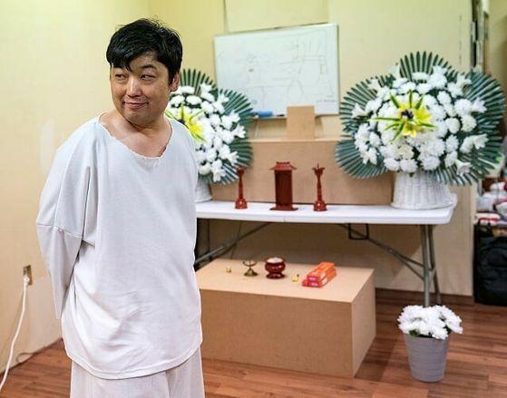 황배진씨가 대학로에서 선보이는 연극 '웃픈 3일' 공연을 연습하고 있다. [사진 황배진]