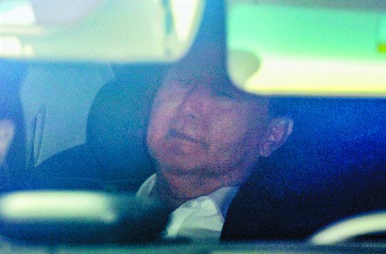 윤석열 검찰총장이 지난 3일 오전 서울 서초구 대검찰청으로 출근하고 있다. [연합뉴스]