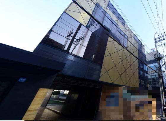 재벌 인사들의 프로포폴 불법 투약 의혹으로 검찰 수사를 받은 서울 강남 압구정의 모 성형외과. [네이버 지도 캡처]