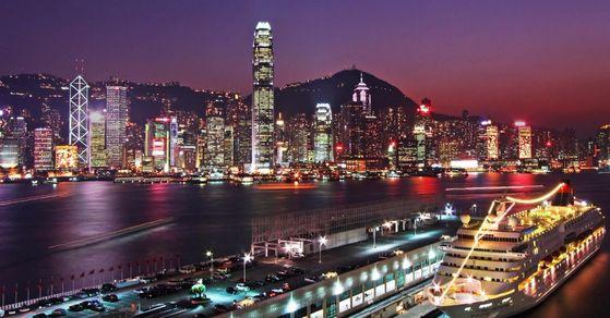 홍콩의 야경. 국제 금융 허브로서의 홍콩의 지위가 흔들리고 있다. [사진 홍콩관광청]
