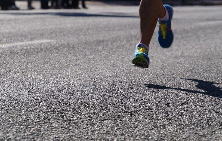 음주운전 차량이 도로 가장자리를 달리던 마라톤 대회 참가자들을 덮쳐 3명이 숨졌다. 이 사진은 기사 내용과 관련 없음. 픽사베이