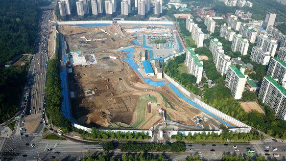 기존 2800여 가구를 허물고 3300여 가구 아파트를 새로 짓고 있는 서울 강남구 개포주공4단지의 재건축 공사 현장. [사진 GS건설]