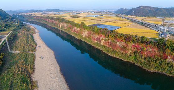 한국의 그랜드 캐니언 멍우리 협곡…유네스코도 인증한 한탄강 비경