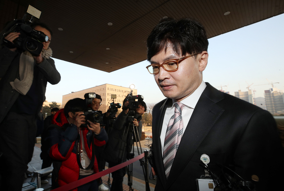 한동훈 검사장이 1월10일 오후 경기도 정부과천청사 법무부 건물로 들어가고 있다. [연합뉴스]