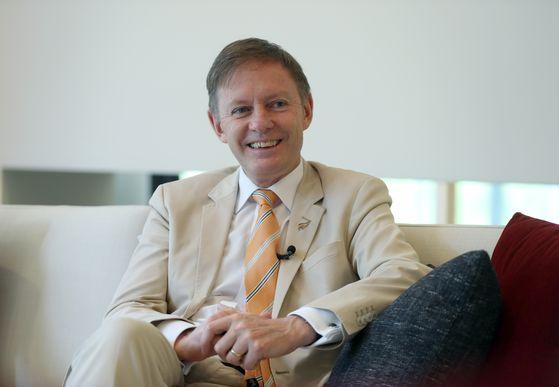 필립 터너 주한 뉴질랜드 대사. 패션 센스가 남다르다. 김성룡 기자