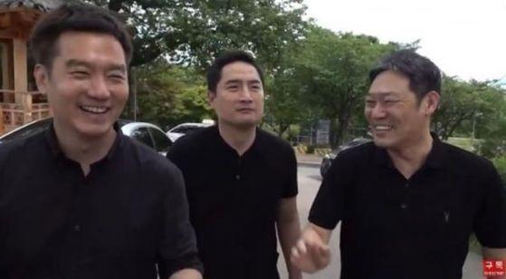 10일 유튜브채널 가세연의 '현장출동, 박원순 사망 장소의 모습' 방송모습. 유튜브 가세연 캡처