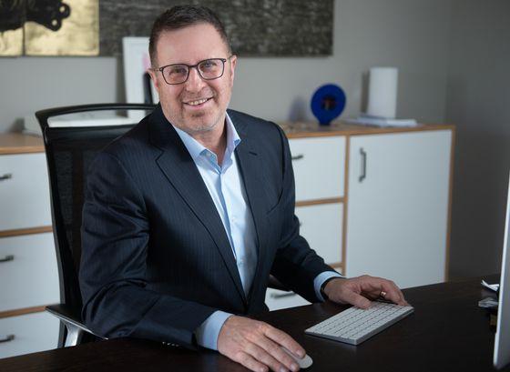 나녹스 CEO 란 폴리아킨.