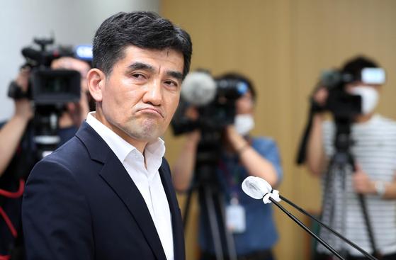 황인식 서울시대변인이 15일 오전 시청 브리핑룸에서 직원 인권침해 진상 규명에 대한 서울시 입장을 발표했다. [뉴스1]