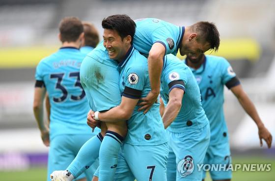 EPL 36라운드 경기에서 골을 추가해 개인 시즌 최다 공격포인트(30)를 달성한 손흥민. 로이터=연합뉴스