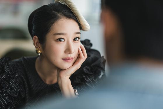 드라마 '사이코지만 괜찮아'에서 동화작가 고문영 역을 맡은 서예지. [사진 tvN]