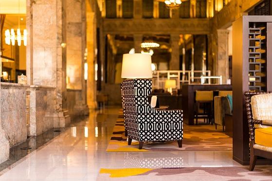 호텔이 정한 서비스 매뉴얼도 중요하지만, 고객을 먼저 생각한다는 마음이 들도록 감성 서비스를 제공해야 한다. 고객 배려를 서비스업의 본질로 삼고 교육하는 H호텔의 서비스를 눈여겨볼만하다. [사진 pixabay]