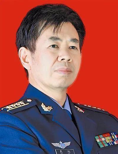 중국 군부의 대표적 매파 인물인 다이쉬 중국 국방대학 전략연구소 교수의 강연 '중국이 미국에 생각 못 한 네 가지와 10대 새로운 인식'이 최근 중국 사회에서 커다란 반향을 일으키고 있다. [중국 바이두 캡처]
