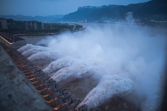 이재민 4000만 최악 홍수···中 무분별 매립이 만든 인재였다