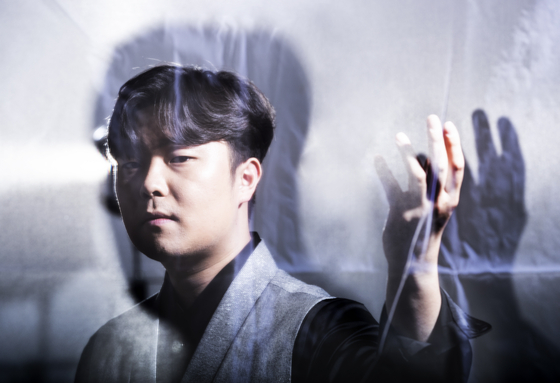 """JTBC '팬텀싱어3'에서 K크로스오버의 새로운 가능성을 보여준 국악인 고영열. '국악을 제대로 하려고 우리 역사·지리·사상까지 공부했다""""고 한다. 권혁재 사진전문기자"""