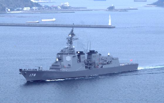 일본 해상자위대 이지스함인 아사가라함(7750t급)에서 코로나19 확진자가 발생했다고 방위성이 21일 발표했다. 자위대 함정에서 발생한 첫 확진자다. [사진 일본 해상자위대]