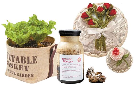 왼쪽부터 화분서 키우는 텃밭, 버섯재배 키트, 프랑스자수. [네이버쇼핑·인스타그램 캡처, 사진 퍼밀]