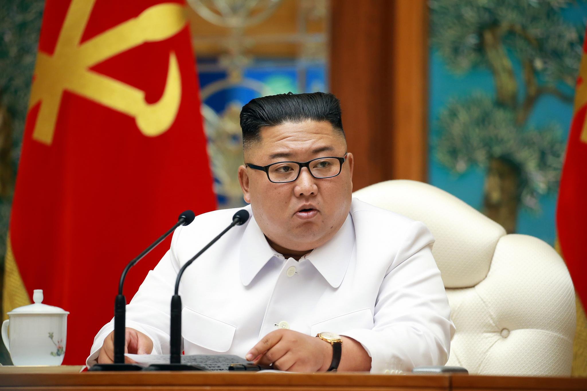 지난 25일 노동당 중앙위원회 정치국 비상확대회의를 긴급소집한 김정은 국무위원장의 모습. 연합뉴스